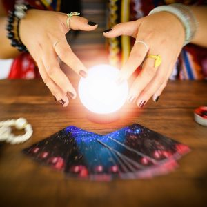 Are There Real Psychics Online – Know the truth